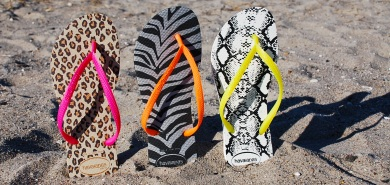 Go crazy with Havaianas animal fluo prints!